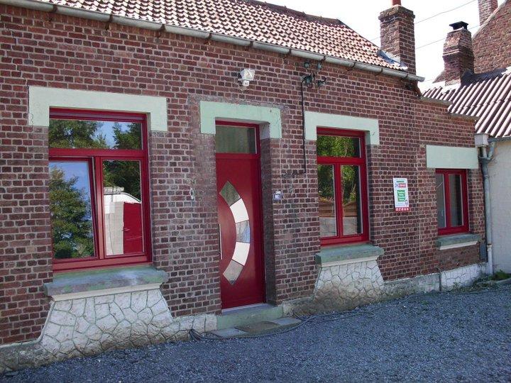 Porte d'entrée - Fenêtres DH Confort© - Cambrai - Arras - Douai - Valenciennes - Péronne - Saint-Quentin
